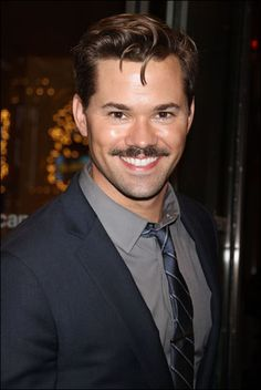 Andrew Rannells (August 23, 1978) American actor, o.a. known from the series of 'Girls'.