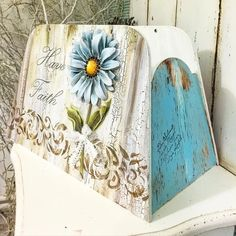 Decoupage Wood, Decoupage Tutorial, Decoupage Vintage, Painted Boxes, Wooden Boxes, Hand Painted, Decor Crafts, Home Crafts, Diy And Crafts