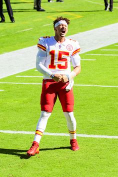 Patrick Mahomes gets pumped up before a game against the Miami Dolphins Sports Action Photography, Virtual Reality Videos, Nfl Photos, Weight Loss Routine, Best Dressed Man, Miami Dolphins, Kansas City Chiefs, Victoria S, Clothes