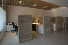 Oficinas OA / JC Arquitectura Corporate Office Design, Office Cubicle Design, Office Design Concepts, Small Office Design, Home Office Design, Office With Cubicles, Office Workstations, Office Layout Plan, Office Cube