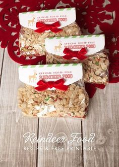 15 Minute Reindeer Food Favor and Free Printable - Frog Prince Paperie - - Reindeer food recipe and free printable reindeer food tag in a 15 minute quick and easy craft with Craft Lightning! Christmas Activities For Kids, Preschool Christmas, Christmas Holidays, Christmas Ideas, Christmas Decorations, Christmas Parties, Christmas Things, Xmas, Christmas Projects