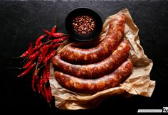 Garlic and Chili Homemade Sausage Recipes, Meat Recipes, Cooking Recipes, Healthy Recipes, Chorizo, Chinese Sausage, Food 101, Food Photography Styling, Food Styling