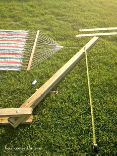Make your own DIY Hammock Stand for 40 bucks! This is the perfect weekend project! Hammock Frame, Diy Hammock, Hammock Stand, Hammocks, Backyard Furniture, Diy Outdoor Furniture, Backyard Projects, Outdoor Projects, Diy Wooden Projects