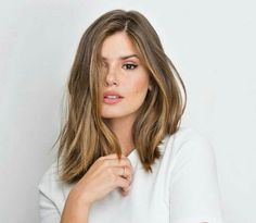 The darling of the moment is the cut of Long Bob 2019 . Ombre Hair, Balayage Hair, Pretty Hairstyles, Bob Hairstyles, Haircuts, Medium Hair Styles, Short Hair Styles, Brown Blonde Hair, Gorgeous Hair