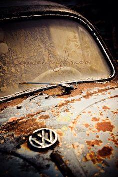 Rusty Volkswagen beetle www.wendygabis.com