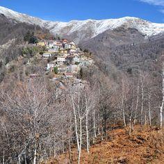 I'm in love with #Quittengo! Dopo #ExploreCampigliaCervo ho scoperto un altro luogo del cuore nel biellese il piccolo borgo di Oriomosso (un tempo Quittengo e ora frazione di Campiglia Cervo) è tra i luoghi che più mi hanno emozionato durante il fine settimana trascorso in valle. Sul blog oggi vi parlo delle bellezze di questo ex paese! #ExploreBiella #innamoratidelbiellese [link al post --> http://ift.tt/1mUlSMg ]