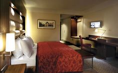 Hotel Palace Berlin- Enjoy outstanding service in this truly luxurious hotel, part of 'The Leading hotels of the World'.