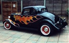 Old School Hot Rod Flames Vector Classic Hot Rod, Classic Cars, Hot Rod Autos, Rolling Car, Traditional Hot Rod, Best Muscle Cars, Old Fords, Bike Wheel, Pedal Cars