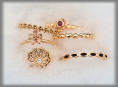 Gold Pandora ring growing collection