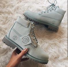 "Timerlands Boots in ""blue haze"" // Foto: genevievechanel |Instagram"
