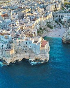 Polignano a Mare, Puglia, Apulia, Italy Oh The Places You'll Go, Places To Travel, Travel Destinations, Places To Visit, Italy Vacation, Vacation Spots, Italy Travel, Italy Holidays, Holidays 2017