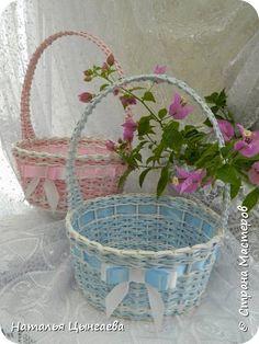 Поделка изделие День рождения Плетение Колясочка плетеная Бумага газетная фото 6