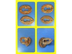 Gammal Nyckelhål 2st 5,2x3,5 Bra skick