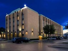 Dallas (TX) Wyndham Garden Dallas North United States, North America The 3-star Wyndham Garden Dallas North offers comfort and convenience whether you're on business or holiday in Dallas (TX). The property features a wide range of facilities to make your stay a pleasant experience. Free Wi-Fi in all rooms, 24-hour front desk, facilities for disabled guests, luggage storage, room service are on the list of things guests can enjoy. Non smoking rooms, air conditioning, heating, d...