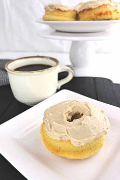 9 Mouth Watering Keto Donut Recipes - The Keto God Donut Flavors, Donut Recipes, Keto Recipes, Cake Recipes, Lunch Recipes, Smoothie Recipes, Sugar Free Breakfast, Breakfast Cookies, Breakfast Recipes