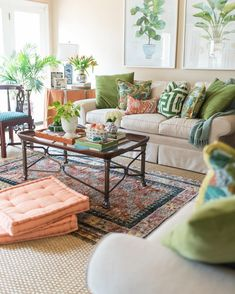 24 Chic Living Room Designs to Inspire Living Room Decor Chic Designs Inspire Living Room Peach Living Rooms, Indian Living Rooms, Living Room Green, Chic Living Room, Home Living Room, Living Room Furniture, Living Room Designs, Rustic Furniture, Antique Furniture