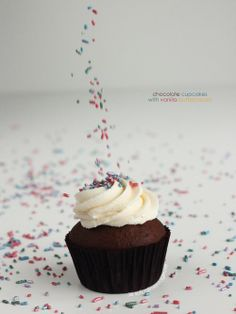 Vegan Chocolate Cupcakes with Vanilla Buttercream