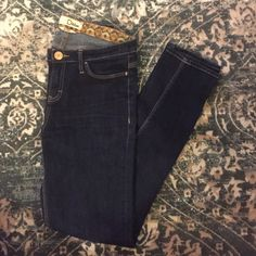Jeans Dark blue denim skinny jeans. Midrise skinny, super cute and comfy ! Dittos Jeans Skinny
