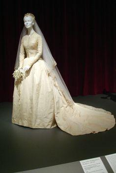 Grace Kelly's wedding gown