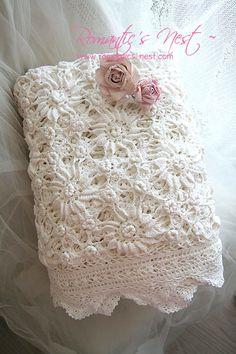 Beautiful crochet lace throw~❥
