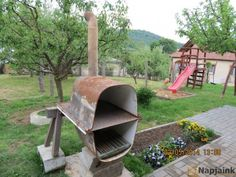 Pizza oven made from an old cast iron bath. Wood Fired Oven, Wood Fired Pizza, Wood Oven, Pizza Oven Outdoor, Outdoor Cooking, Outdoor Fire, Outdoor Living, Outdoor Decor, Backyard Projects