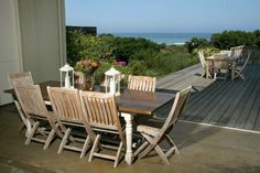 Mosselberg on Grotto Beach offers 5 luxurious, individually decorated guest rooms and suites, a large sea-facing deck overlooking lush indigenous Fynbos garden. Beach Boutique, Outdoor Tables, Outdoor Decor, Whale Watching, Beach Walk, Beach Holiday, Smoking Room, Good Night Sleep, Outdoor Furniture Sets