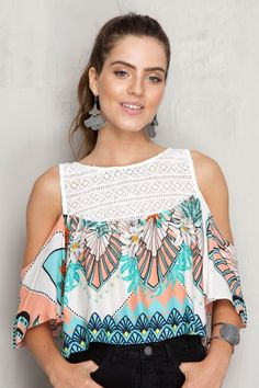 Blusa detalhe guipure estampa tropical dress to outfits молодежная мода, бл Fashion 2017, Fashion Outfits, Womens Fashion, Girl Fashion, Tropical Dress, Loose Tops, Chiffon Shirt, Corsage, Blouse Designs