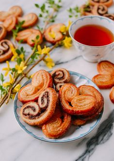 Palmiers are a type of French pastry––our recipe uses a homemade rough puff pastry. They're easy to make, and you can create any savory or sweet flavor! Rough Puff Pastry, Puff Pastry Dough, Puff Pastry Recipes, Cookie Recipes, Dessert Recipes, Savory Pastry, Choux Pastry, Gourmet Desserts, Vegan Recipes