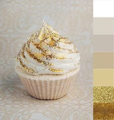 sparkles for cakes and cookies edible gold glitter on desserts and wedding cake! just buy it and give it to the food catering!edible gold glitter on desserts and wedding cake! just buy it and give it to the food catering! Gold Cupcakes, Sparkle Cupcakes, White Wedding Cupcakes, Cupcake Wedding, Gold Cake, Wedding Cookies, Wedding Desserts, Hens Party Cupcakes, Glitter Wedding Cakes