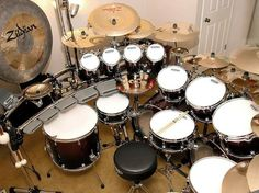 Imagine trying to set this freakin' up at a gig though. I have a 'few' cymbals myself but this dwarfs mys set up. Ludwig Drums, Drum Music, How To Play Drums, Drummer Boy, Drum Kits, Music Stuff, Musical Instruments, Cool Stuff, Drummers