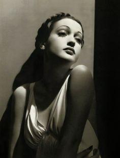 Dorothy Lamour Noir et blanc classique mais tellement beau