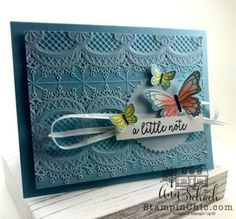 Ann's CASES a feminine butterfly note card from the front cover of Stampin' Up! Included is a free tutorial. Butterfly Images, Butterfly Cards, Embossed Cards, Bird Cards, Stamping Up Cards, Embossing Folder, Scrapbook Paper, Note Cards, Cardmaking