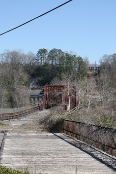 https://flic.kr/p/9YHDsf | Old Tallassee Mills Bridge | Abandoned Tallassee Mills Bridge in Tallassee, Alabama.  The bridge connects Elmore and Tallapoosa Counties.