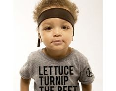 Combine your love of music and vegetables in this adorable top. Black lettering printed on a gray tshirt gives the wearer that minimalist look for a shot of humor. Shirt runs small so consider ordering up a full size. Available in 3-6M, 6-12M, 12-18M, 2T, 4T, and 6T.