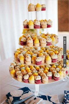 wedding cupcakes by Chattanooga Cupcakes | CHECK OUT MORE IDEAS AT WEDDINGPINS.NET | #weddingcakes