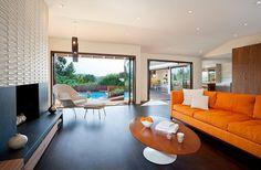 oranžové bílé obývací pokoje