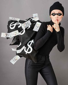 Bankräuber Kostüm – New Ideas # Bank Robber Costume Bank Robber Costume Bank Robber Costume Ten more minutes? That's all you need to take off this homemade Halloween costume. Here you will find the instructions for this simple DIY costume.