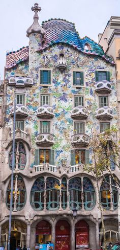 Casa Batllo on a one day in Barcelona tour Barcelona Tours, Visit Barcelona, Barcelona Travel, Casa Gaudi, Beautiful Buildings, Beautiful Places, Residence Architecture, Places To Travel, Places To Visit