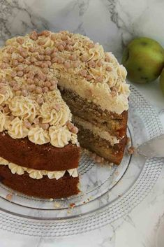 Apple Crumble Cake! - Jane's Patisserie Easy Apple Crumble, Apple Crumble Cake, Patisserie Cake, Janes Patisserie, Victoria Sandwich Cake, Sticky Toffee Pudding Cake, British Baking Show Recipes, Lemon Cheesecake Recipes, Protein Powder Recipes