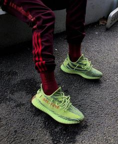 online retailer b30ab 4ad52 How to get Adidas Yeezy Boost 350 V2 Semi Frozen Yellow sneakers.  HerrskorSneakers ...