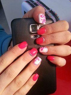 Grazie Eva Bani, con la tua splendida #nailart ci riempi di energia e colore!  #Estrosa #smalto #gel #semipermanente