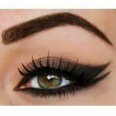 Dark brown double winged smokey eyeshadow
