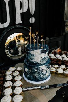 Starry Night Wedding, Moon Wedding, Celestial Wedding, Magical Wedding, Themed Wedding Cakes, Themed Cakes, Wedding Cake Toppers, Cool Wedding Cakes, Pretty Cakes