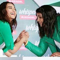 Her smile 😩😩❤❤@aslisona #sonakshisinha #bollywood