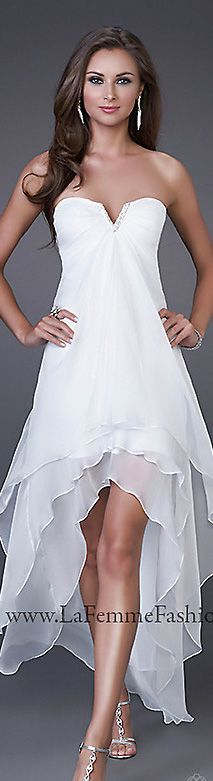 Strapless, chiffon fabric, layered #Short #Wedding #Dress ♡ For how to organise an entire wedding ... on a budget https://itunes.apple.com/us/app/the-gold-wedding-planner/id498112599?ls=1=8 ♥ THE GOLD WEDDING PLANNER iPhone App ♥  http://pinterest.com/groomsandbrides/boards/ for an abundance of wedding ideas ♡