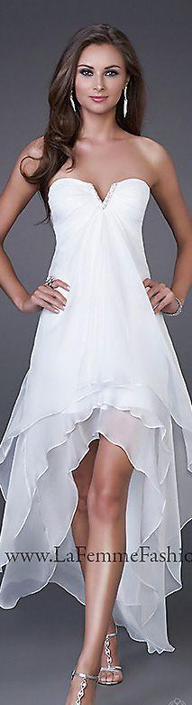 Strapless, chiffon fabric, layered #Short #Wedding #Dress ♡ For how to organise an entire wedding ... on a budget https://itunes.apple.com/us/app/the-gold-wedding-planner/id498112599?ls=1=8 ♥ THE GOLD WEDDING PLANNER iPhone App ♥  http://pinterest.com/groomsandbrides/boards/ for an abundance of wedding ideas ♡