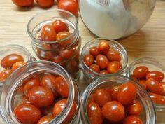Jak naložit cherry rajčata do nálevu s želatinou | recept | jaktak.cz Vegetables, Fruit, Food, Essen, Vegetable Recipes, Meals, Yemek, Veggies, Eten