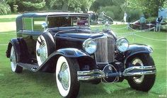 Old Convertible Pictures from 1913 to 1932 Cord Automobile, Duesenberg Car, Vintage Cars, Antique Cars, Cord Car, Beautiful Lines, Convertible, Classic Cars, Auburn