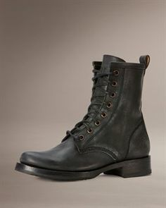 Veronica Combat. Gotta get myself to there store and try them on!