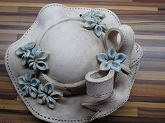 Nabízím doma vyráběnou keramiku. Klobouk průměr 25 Korean Pottery, Ceramic Flowers, Air Dry Clay, Clay Art, Ceramic Art, Wood Art, Sculpting, Decoupage, Diy And Crafts